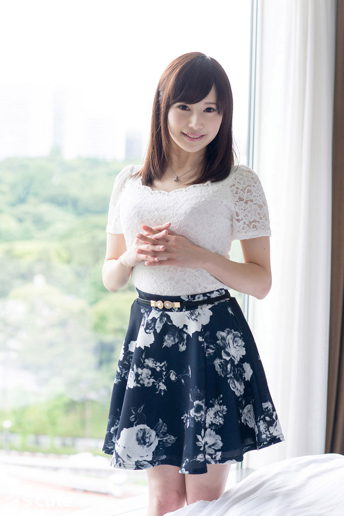 S-Cute 412 Shiori #1 清楚にみえてエッチ大好きな女の子
